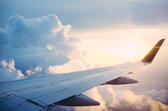 Карантин для пасажирів, які прилітають з аеропортів України та Білорусі