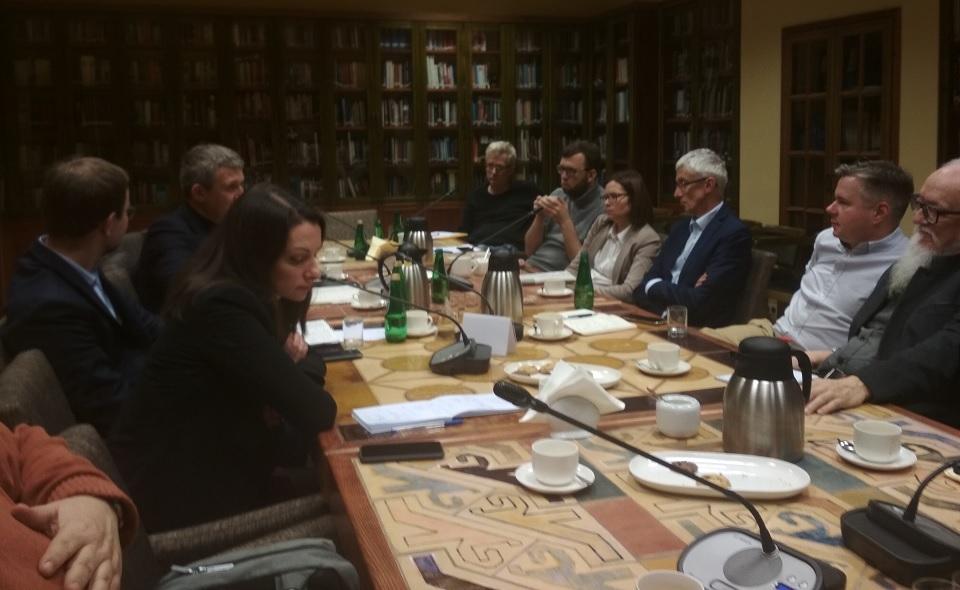 """Spotkanie informacyjno-analityczne """"Rewolucja czy kontynuacja? Pół roku prezydentury Zełeńskiego"""""""